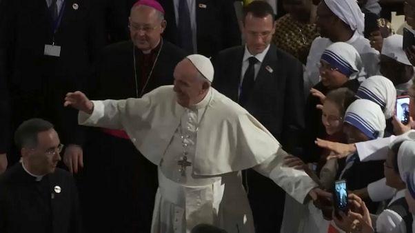Ferenc pápa: a menekültárnak nem lehet útját állni fizikai akadályokkal