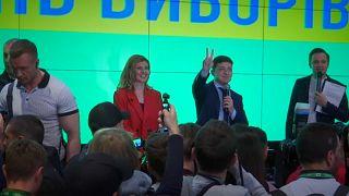 Ucrânia: Zelensky e Poroshenko na segunda volta da eleição presidêncial