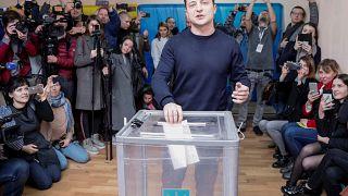 Ukraine-Wahl: Politik-Neuling Selenski laut Prognosen in Führung