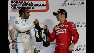 Bahrain: Hamilton siegt nach Ferrari-Debakel