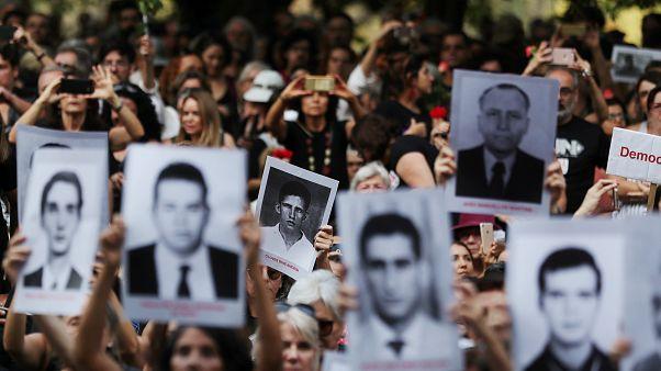 Бразильцы против годовщины военного переворота
