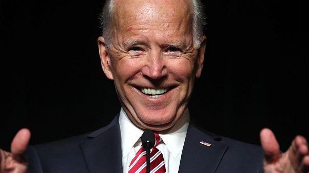 """Vorwurf gegen Joe Biden: """"An Haar gerochen und Hinterkopf geküsst"""""""