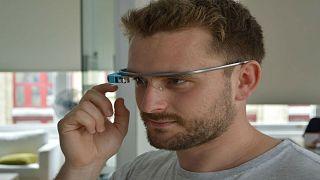 كيف تساعد نظارات غوغل الأطفال المصابين بالتوحد؟