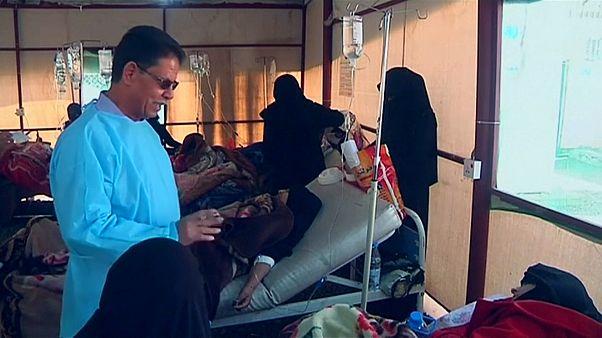 الكوليرا تقضي على طبيب يمني بعدما عالج مئات الحالات منها