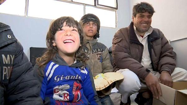 """""""كذبة"""" تمكن مئات اللاجئين السوريين من الفرار خارج مخيم الركبان"""