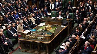 El Parlamento británico no respalda ninguna de las alternativas al Brexit