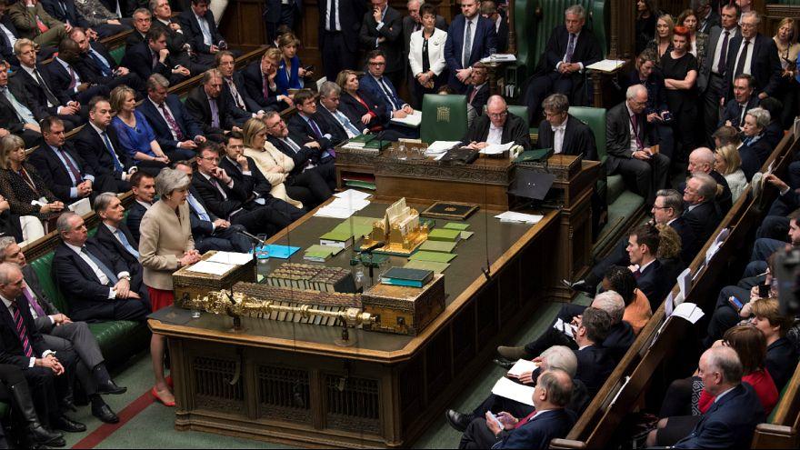 Британский парламент снова против