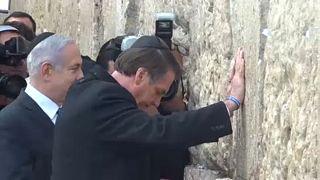 Bolsonaro sella su idilio político con Israel en el Muro de las Lamentaciones