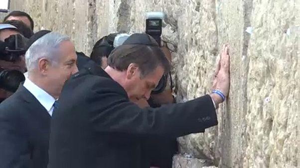 Болсонару посетил Стену Плача в Иерусалиме