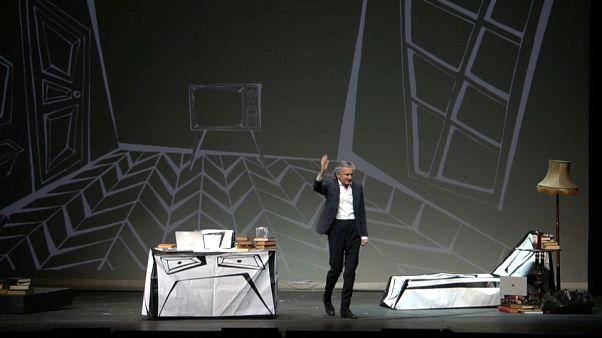 Philosoph Lévy tourt mit Pro-Europa-Theaterstück durch die EU