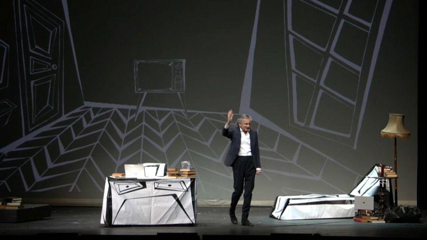 فیلسوف فرانسوی: با نیروهایی مواجهیم که از دموکراسی برای ویرانی دموکراسی استفاده میکنند