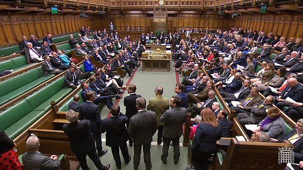 Brexit oylamaları reddedildi