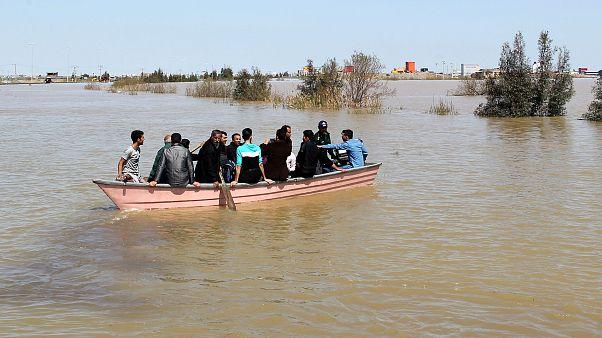 إيران: أوامر بإخلاء 70 قرية من إقليم خوزستان الغني بالنفط بسبب خطر الفيضانات
