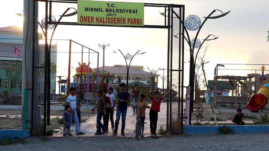 Bismil belediye başkanı Orhan Ayaz, çadırda hizmet verecek