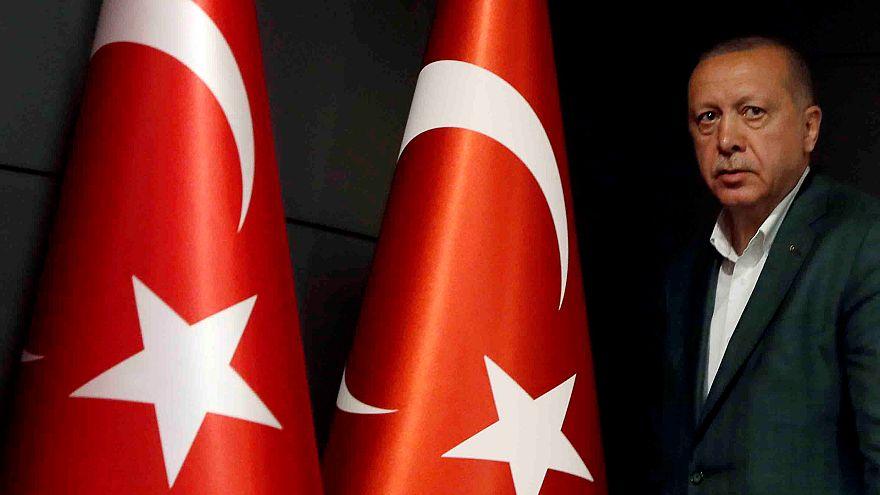 Türkiye genelindeki belediyelerin yüzde 54'ünü AK Parti; yüzde 18'ini CHP kazandı