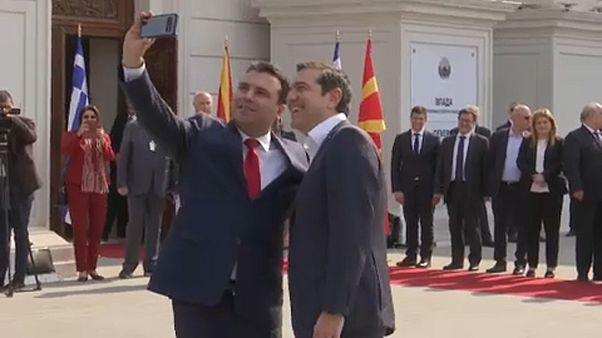 Történelmi Zaev-Ciprasz találkozó