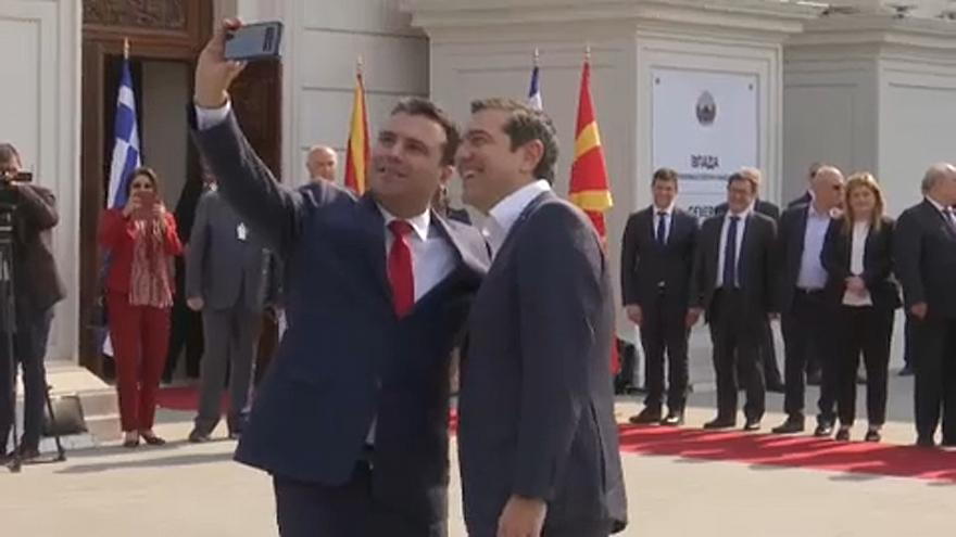 Selfies in Skopje: Alexis Tsipras besucht Nordmazedonien
