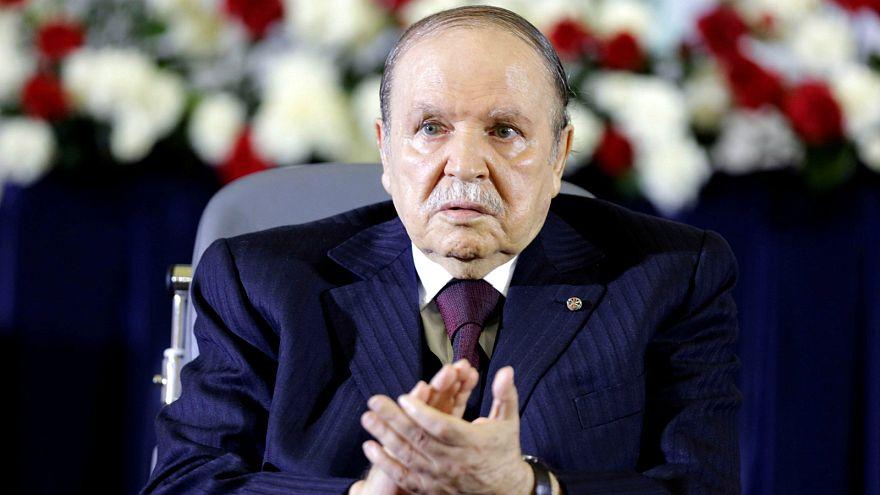 تحت ضغط الجيش الجزائري.. بوتفليقة يقدم استقالته