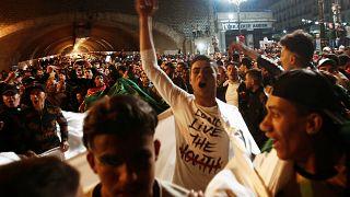 Euforia en Argel tras la dimisión del presidente Buteflika
