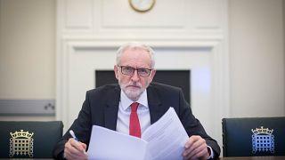 Brexit: May macht Kehrtwende und will mit Corbyn verhandeln