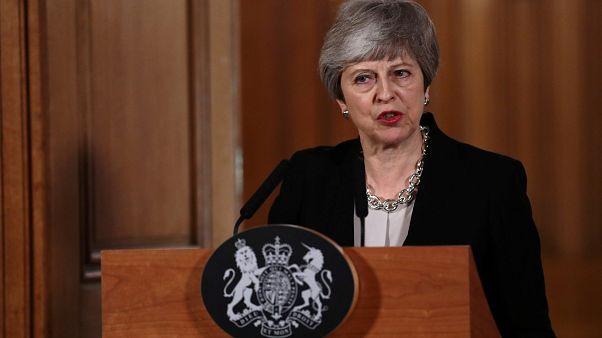 May pide un nuevo aplazamiento del Brexit y tiende la mano a Corbyn