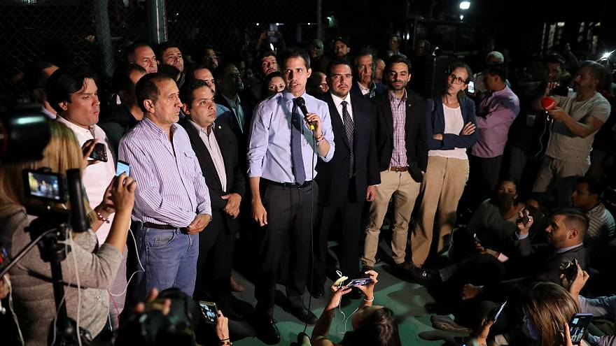 Venezuela: revocata l'immunità a Juan Guaidó
