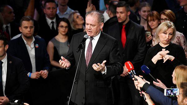 دولت اسلواکی قانون ممنوعیت خواندن سرود ملی کشورهای دیگر را وتو می کند
