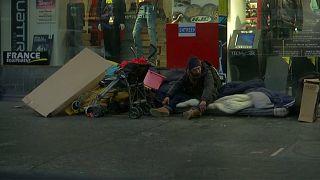 Fransa'da geçen yıl 566 evsiz kaldırım köşelerinde verdikleri yaşam mücadelesini kaybetti
