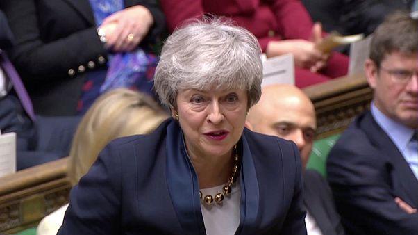 May spricht mit Corbyn, viele Tories sind sauer