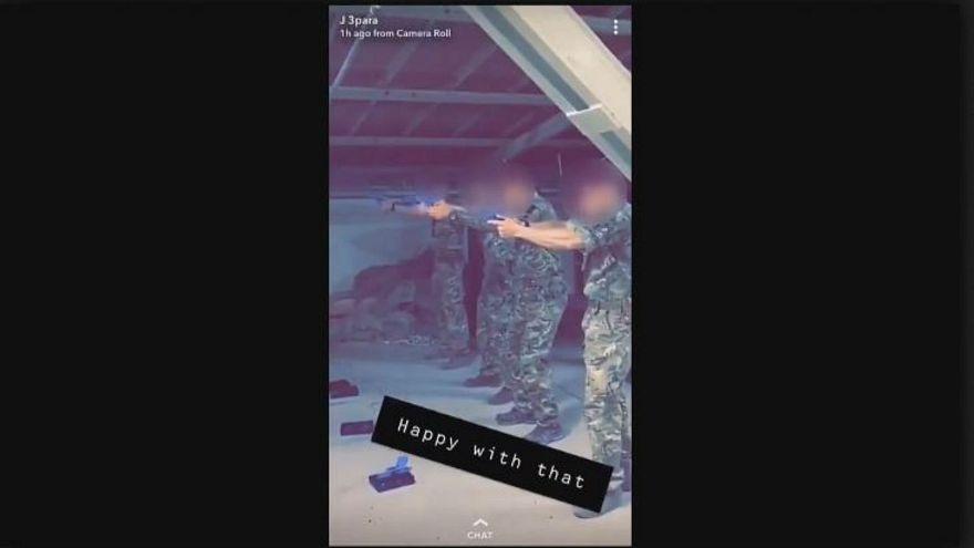صور الجنود خلال عملية التصويب