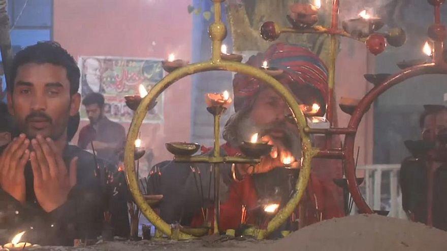 Video | 500.000 Menschen feiern das interreligiöse Lichterfestival in Lahore