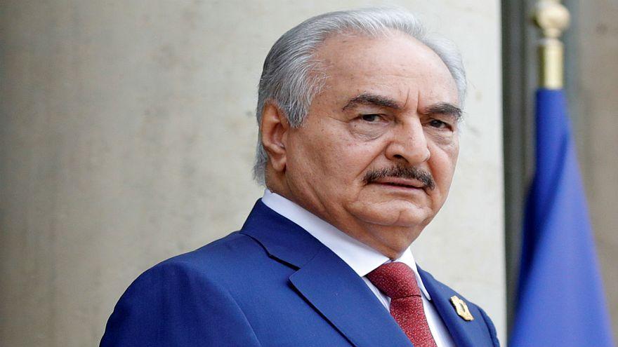 القائد العسكري الليبي خليفة حفتر