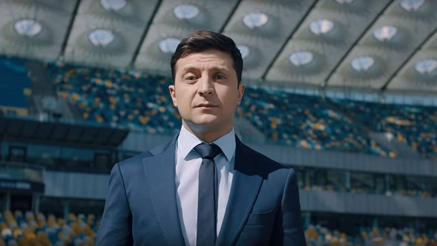 Presidential candidate Zelensky Challenges Poroshenko in new video