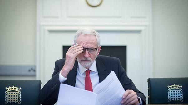 """Brexit : Theresa May discute de manière """"constructive"""" avec l'opposition travailliste"""