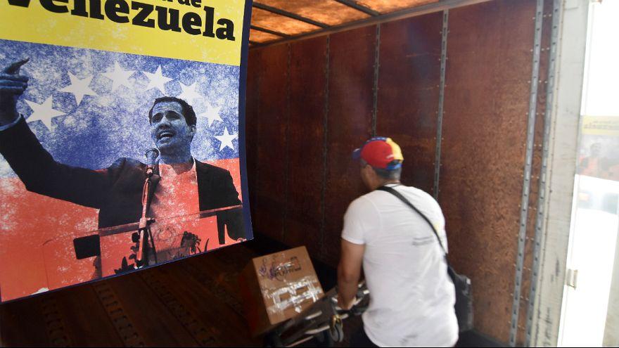 آمریکا: در صورت سقوط رژیم کنونی، به ونزوئلا دلار تزریق میکنیم