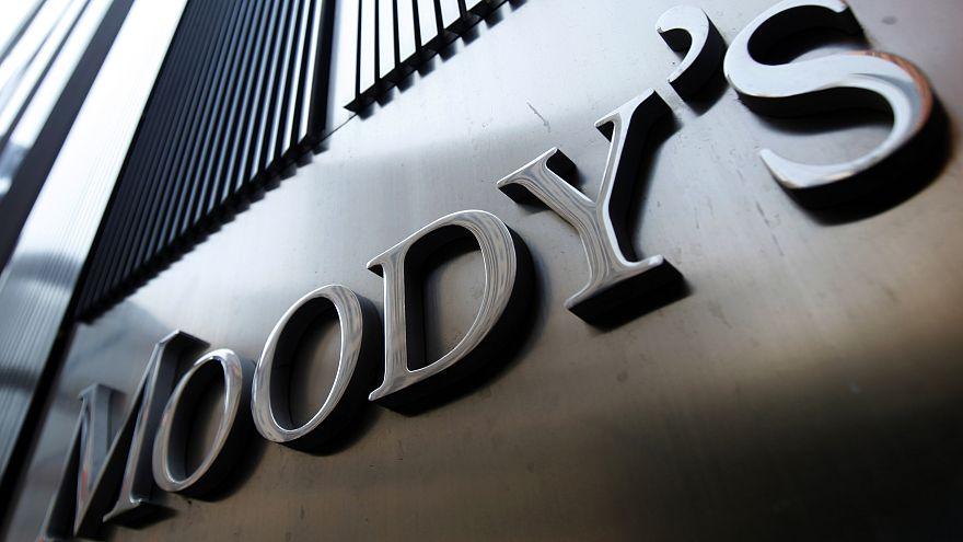 Moody's: Θετικές οι προοπτικές του ελληνικού τραπεζικού συστήματος