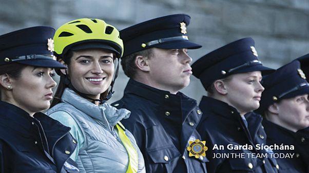 الشرطة الإيرلندية تعتزم السماح للشرطيات المسلمات بارتداء الحجاب
