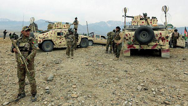 حمله طالبان به نیروهای امنیتی افغانستان سیزده کشته برجای گذاشت