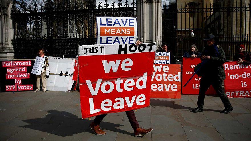 Brexit : Travaillistes et Conservateurs cherchent un compromis