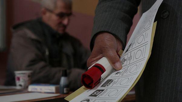 Belediye başkanlığına aday oldu, kendine bile oy vermedi, sıfır çekti