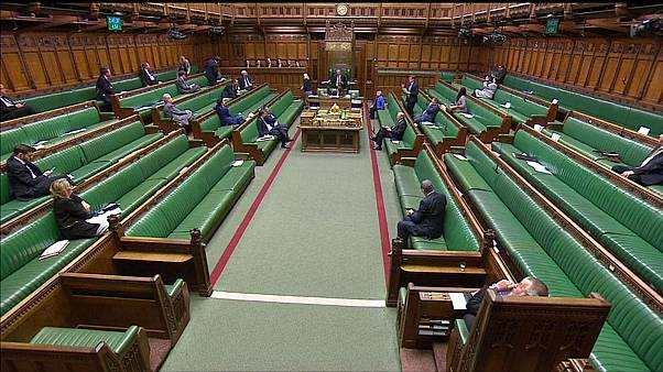 Insolite : la Chambre des communes prend l'eau, les députés quittent l'assemblée