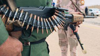 آخر حلقة الاقتتال في ليبيا.. طرد مقاتلين موالين لحفتر من حاجز أمني قرب طرابلس