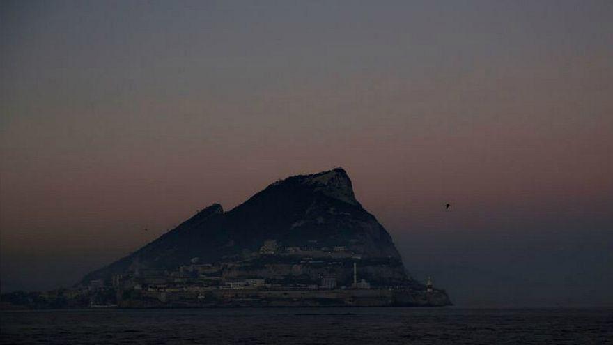 مدريد تعلن أنها حققت انتصارا في النزاع مع لندن على جبل طارق