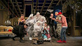 Budapestre jönnek a vidéki színházak áprilisban