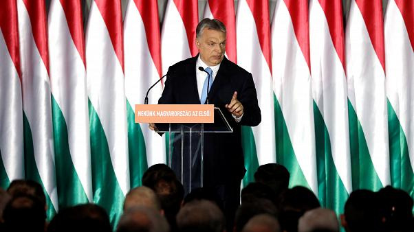 Européennes : Orban lance sa campagne en attaquant Weber et Juncker