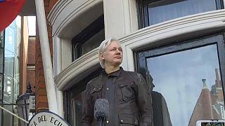 """Assange será expulsado de la embajada de Ecuador """"en horas o días"""" según WikiLeaks"""