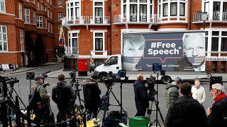 Ecuador pronto ad espellere Julian Assange dalla sua ambasciata a Londra