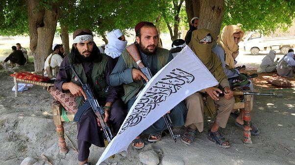 Afganistan'da Taliban saldırısında 36 asker öldü