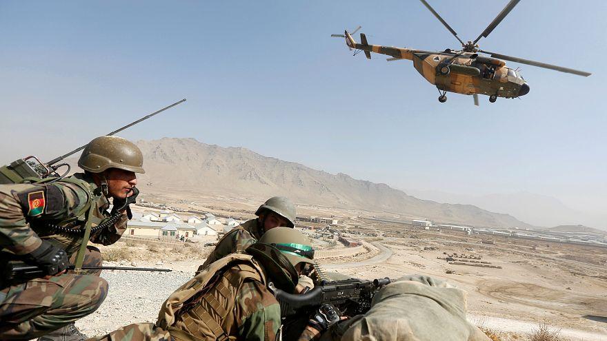 جنود أفغان يخوضون تدريبات في مركز التدريب العسكري في العاصمة كابل