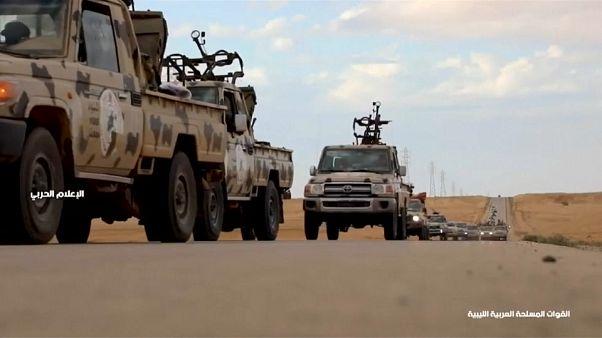 أسر 145 عنصرا من قوات حفتر وموسكو تحذر من حمام دم في ليبيا